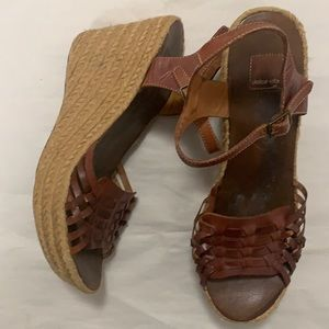 DOLCE VITA WEDGE LEATHER SANDALS SIZE 10